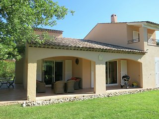Cozy Villa in Saint-Cézaire-sur-Siagne with Swimming Pool