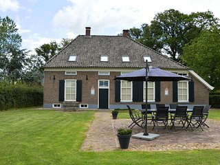 A modern renovated farmhouse from 1476 with chimney, large garden and Wifi
