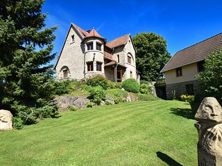 Great villa with lovely decor and large garden near the Edersee