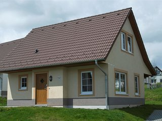 Traditional holiday home with 2 bathrooms near river Moselle