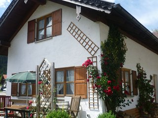 Holiday residence with three bedrooms in the midst of the Ammergauer alps.