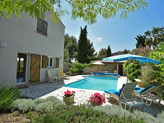 Elegant villa in Bize-Minervois with Pool