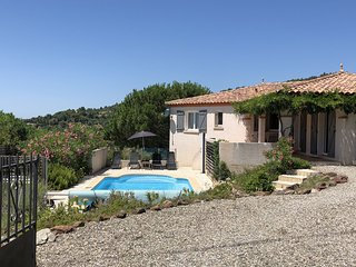Cozy Villa in Caunes-Minervois with Swimming Pool