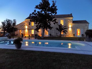 Fully-equipped house with private pool, garden, famous bordeaux's vineyards!