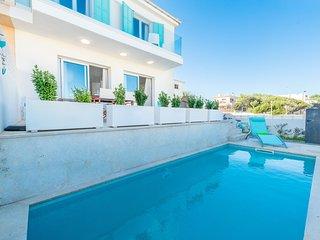 OLIVERA DES FARRUTX - Villa for 8 people in Son Serra de Marina.