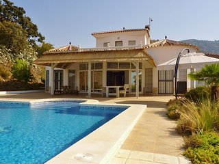 Delightful Villa in Algarrobo with Beach Nearby