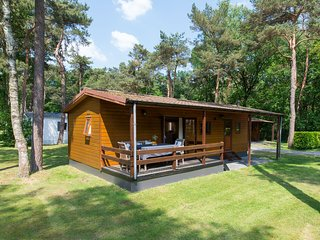 Well-furnished chalet located nearby the Oisterwijkse Vennen