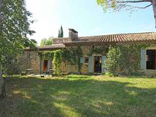 Characteristic country house with huge natural garden at 2 km from the village S