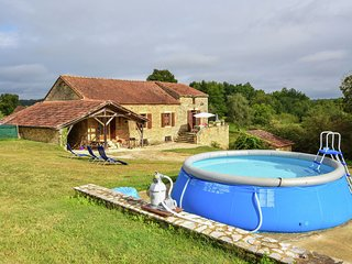 Heavenly holiday home with swimming pool and large garden.