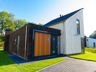 Modern and culinary villa with a large kitchen in Limburg
