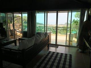 4 Bedrooms Kata See view