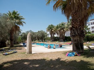 2 Bed 1 Bath Apt on the Villamartin Plaza, Great Food, Sun and Golf – Perfect!