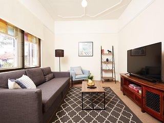 Quaint 3 Bedroom House - Close to City & Harbour Bridge