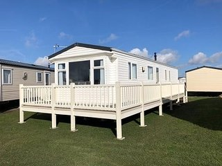 Camber Sands Holiday Park - Camber beach hut