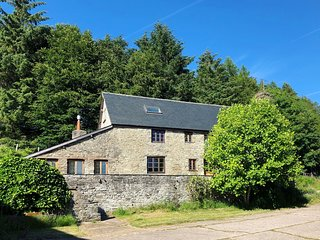 64450 Cottage situated in Radnorshire (7mls E)