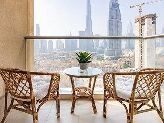 Opulent 2BR with Captivating Burj Khalifa Views!
