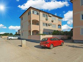 Apartment 16896
