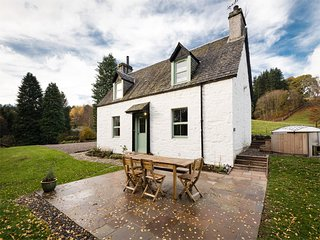 CA205 Cottage situated in Strathtay