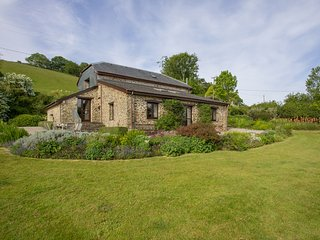 Mendennick Barn - a conversion in beautiful grounds overlooking the River Tamar