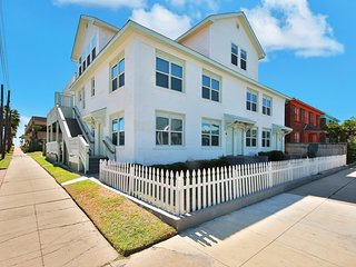 NEW LISTING! Bright and dog-friendly house w/ beach views - close to all the fun