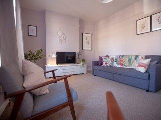 Sunny duplex apartment in fashionable area