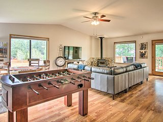 Luxe South Lake Tahoe Home w/ Game Room+Coffee Bar