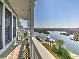 NEW! Manteo Waterfront Resort Home w/ 30-Ft Dock!