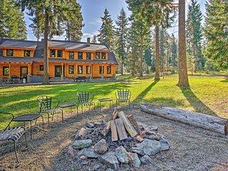 Luxury Lodge: Hot Tub, Snowmobiling & ATV Access!