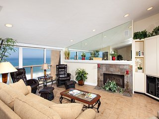 2 Bedroom Oceanfront Condo SUR58