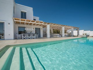 Luxurios Villa with POOL and OCEAN VIEW, In Stelida Naxos