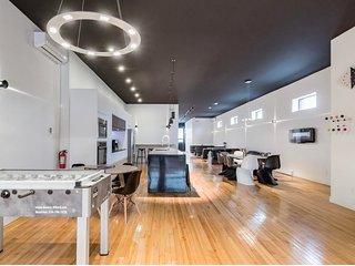 Plaza 2 Bachelor Getaway Modern Clean Liv MTL 5 ★⚡️