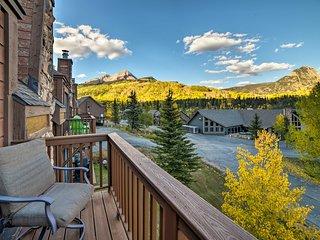 Lavish Durango Condo w/ Amenities & Alpine Views!