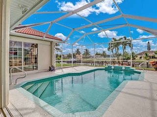 Gorgeous, Newly Listed, SE Cape Coral Gulf Access Canal Home! Heated Pool, Free
