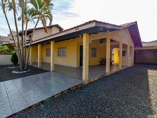 Aluguel Casa 2 Quartos para 10 Pessoas Bombas/SC