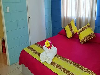 Acu-Reflex Guest House (Master Bedroom)