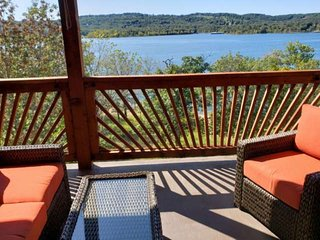 Fabulous View of Table Rock Lake! Condo at Indian Point (near SDC).  WI-FI.  Gam