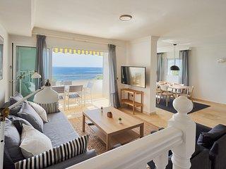 Modern Beachfront Duplex in Marbella/Playa Real