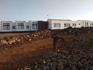 5 Eco suites plus a shared place with views to Lanzarote in a relaxing place