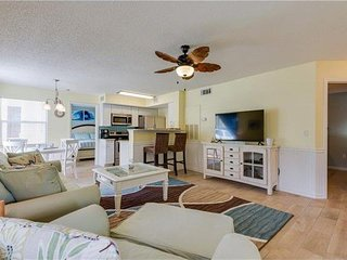 Beautiful 1st Floor Condo w/Lanai - Pets Welcome!
