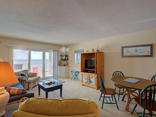 Topsail Dunes 3413 | Oceanfront Community Pool | Tennis Courts | Elevator | Priv