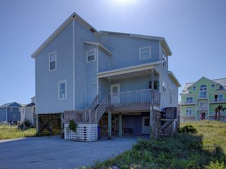 Hampton Colony 636 Oceanfront-B Lot! | Community Pool, Wedding Friendly, Jacuzzi