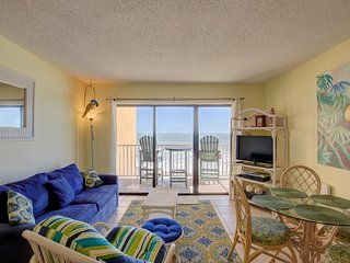Topsail Dunes 1208 Oceanfront!   Community Pool, Tennis Courts, Grill Area