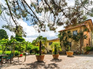 House with authentic atmosphere wing of ancient wine farm estate