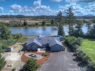 Gearhart Lakefront Vacation Rental