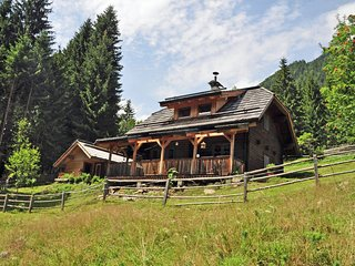 Cozy Pet-friendly Chalet in Kolbnitz