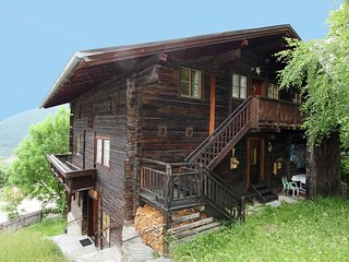 Quaint Apartment in Matrei in Osttirol, with public swimming pool nearby