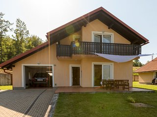 Charming Holiday Home in Ribarici with Garden