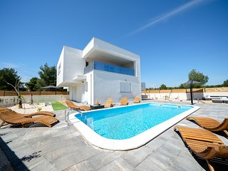 Modern villa near Vodice, with private swimming pool and the beach just 100 m aw