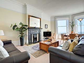 Charming apartment near Brighton with a Seaview