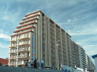 Comfortable apartment with sea view in Blankenberge
